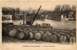 CPA-La-Seine-a-travers-de-PARIS-4e-Le-Pont-de-l-039-Estacade-560149