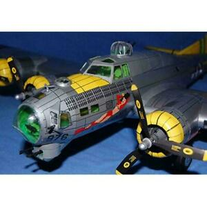 1:47 B-17G Flying Fortress Bomber Paper Craft DIY Craft Airplane NEW G2M0