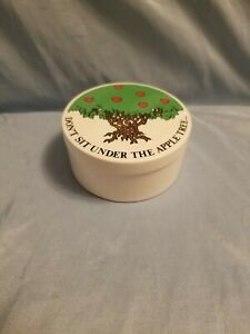 "FITZ AND FLOYD ROUND TRINKET BOX.  1978 FF JAPAN. ""DON'T SIT UNDER APPLE TREE"""