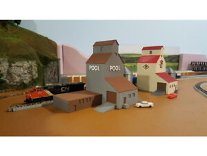 FARM-Set-Cluster-with-POOL-Grain-Elevator-Building-and-Grain-Silos-N-Scale-1-160