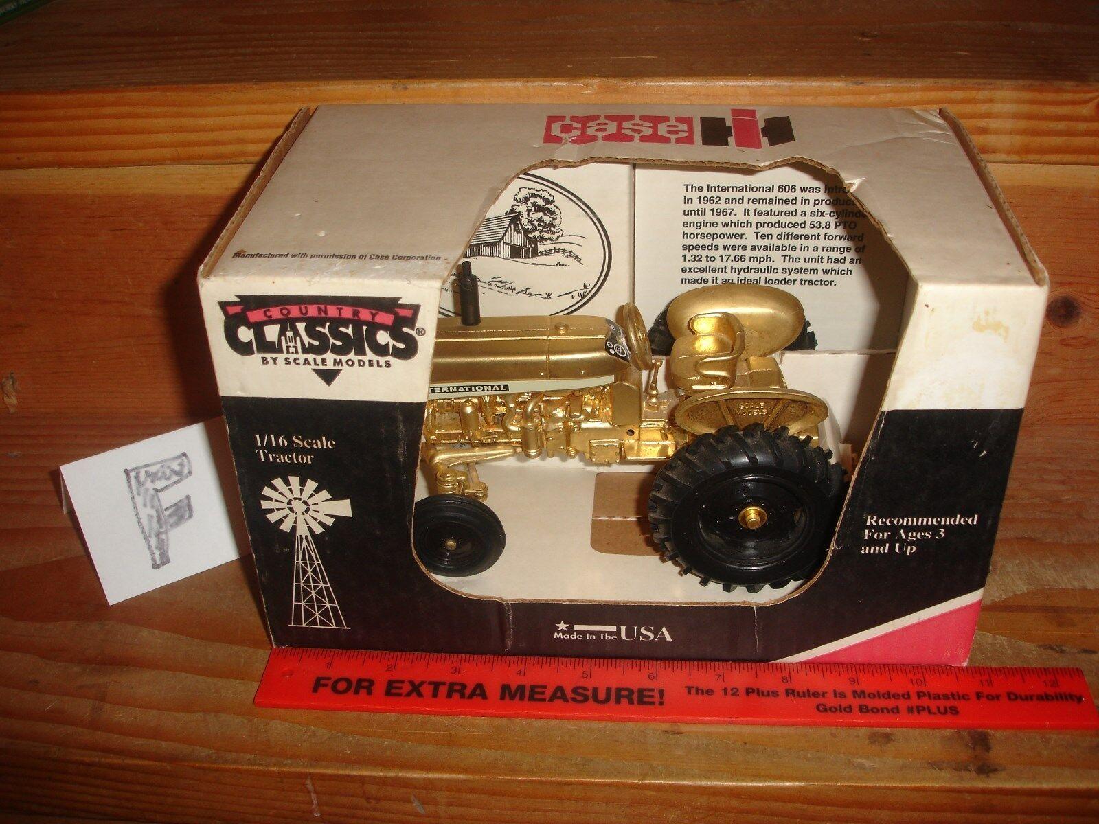 Caso  Tractor De Juguete De Oro Internationl 606 En Caja