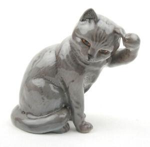 Beswick-Cats-British-Blue-Lead-Grey-Cat-Scratching-Ear-No-1877-1964-1966