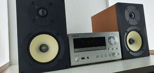 Onkyo-CR-555-CD-Receiver-compact-hifi-with-USB-for-Ipod-and-D-055-speakers-set