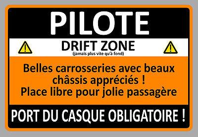 ATTENTION PILOTE DRIFT HUMOUR DROLE ANNIVERSAIRE 15cm AUTOCOLLANT STICKER AA211