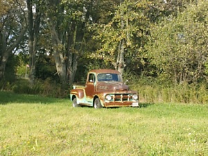 1952 Ford on 1987 Chevy c10 chassis