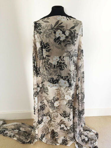 Oriental Inspired Floral Design on Printed Crinkled Chiffon Fabric-1.3//2.6m