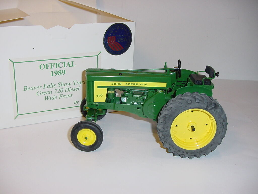 1 16 John Deere 720 Diesel Tractor by Yoder W Box  1989 Beaver Falls Show