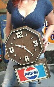 Vintage 1980's Pepsi Faux Wood Plastic Clock Working Pepsi Cola Sign