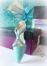 TURQUOISE SHOE! BEAUTIFUL! CERTIFICATE! GREAT FOR SELLERS! JUST THE RIGHT SHOE!