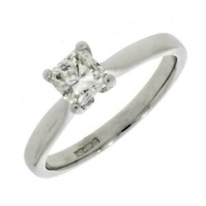 Pre-Owned-18ct-White-Gold-Diamond-Solitaire-Ring-RA949
