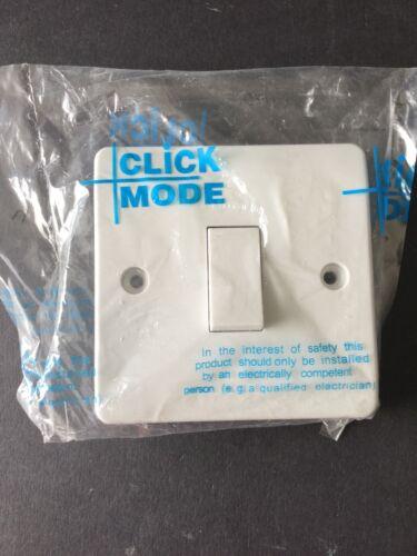 Cliquez Sur Mode CMA025 1 Gang Intermédiaire 10AX Interrupteur De Lumière-Neuf /& Scellé