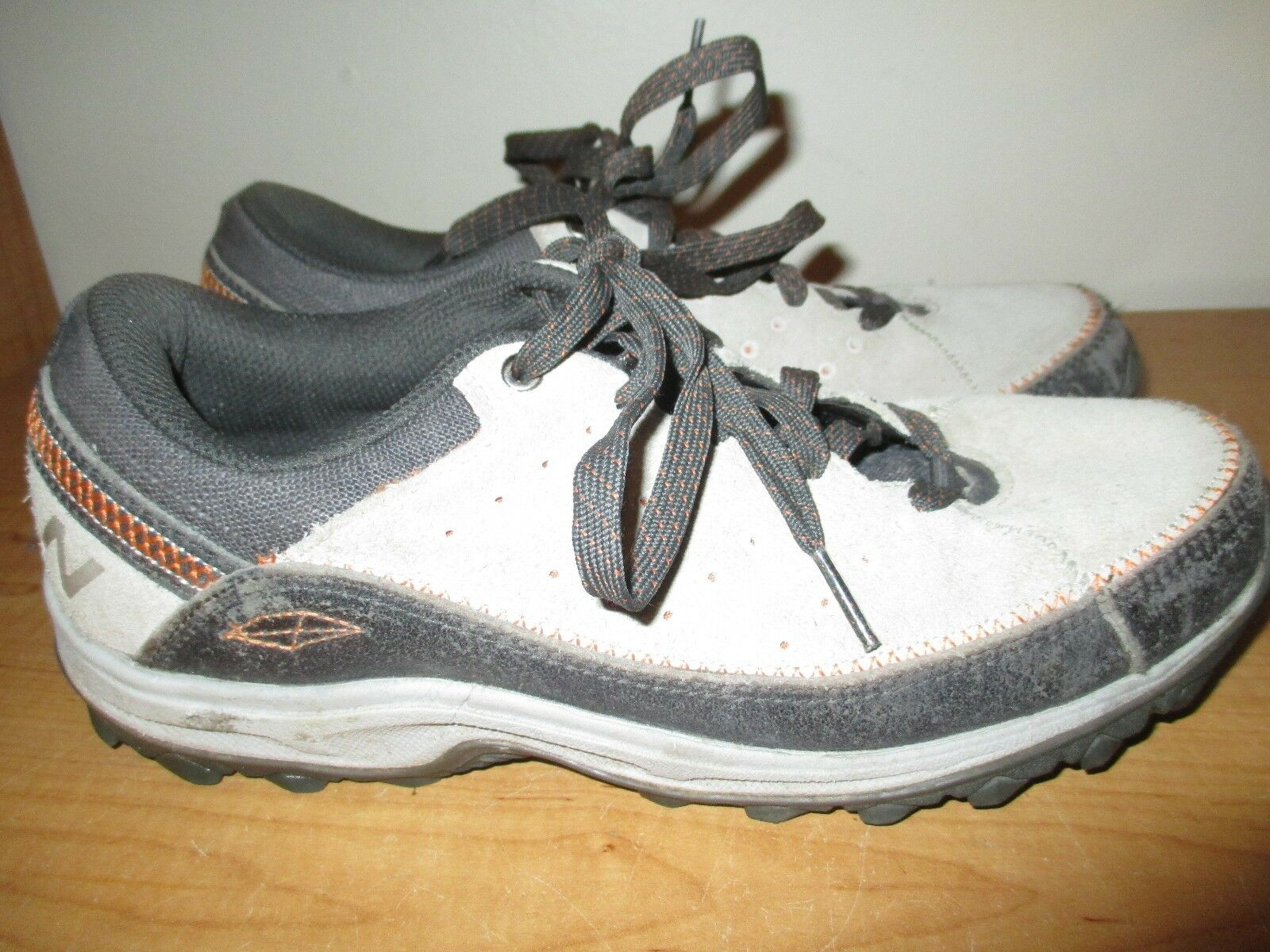 New Balance Women's Size 8.5 Suede Trail Walk Athletic Shoes WW610GR- Super Nice