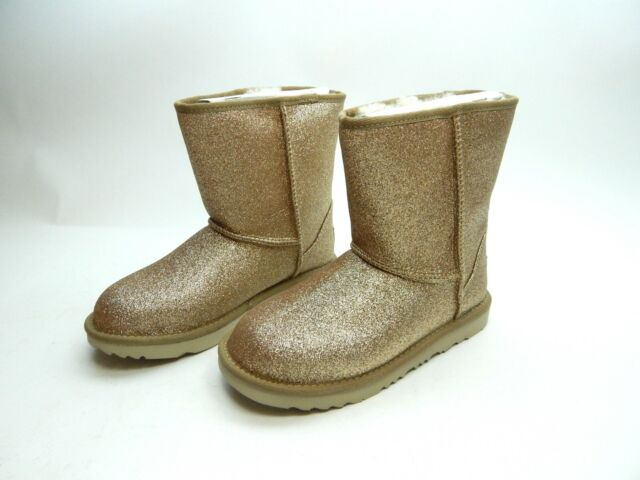 65d1018fa0bd UGG Australia BOOTS Classic Short II Glitter Gold Youth Size 6.0 for sale  online | eBay