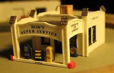 BOB'S SUPER SERVICE - Z-660 - Z Scale by Randy Brown