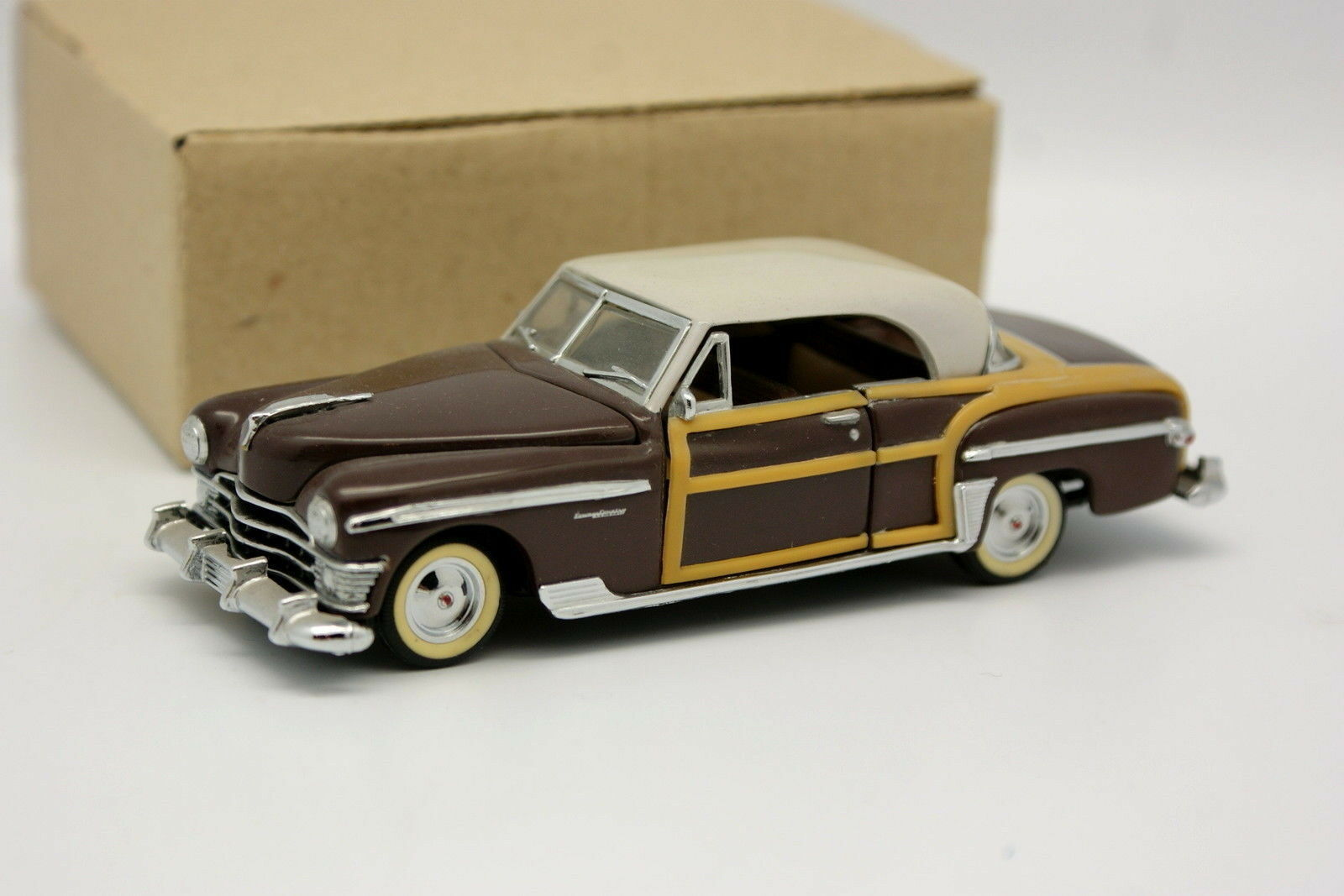 Franklin Mint 1 43 - Chrysler Town And Country