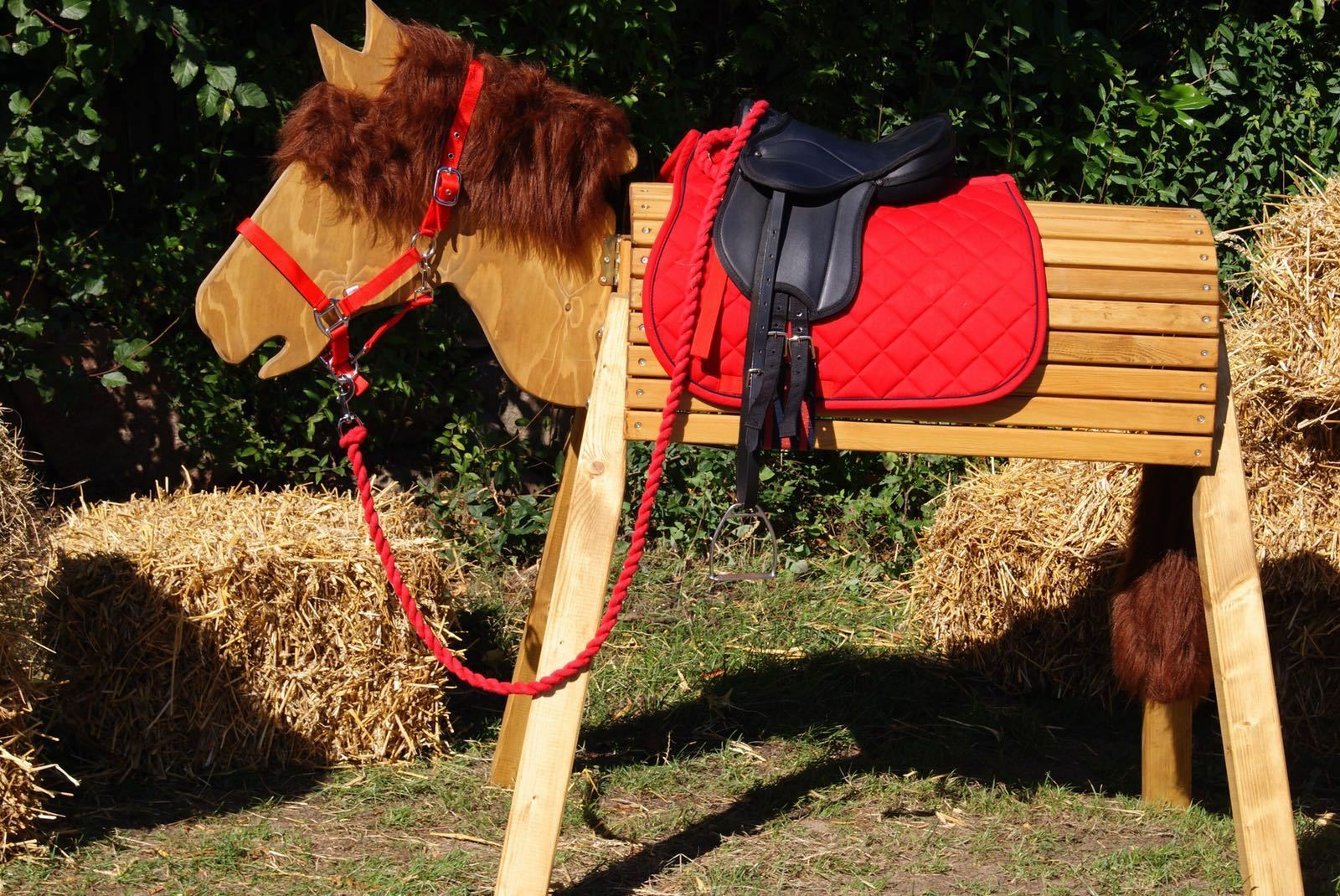 Holzpferd Voltigierpferd Pferd- Pferd- Pferd- bewegl.Kopf ca.116cm inkl.Zubehör-Farbe Kastanie fc839a
