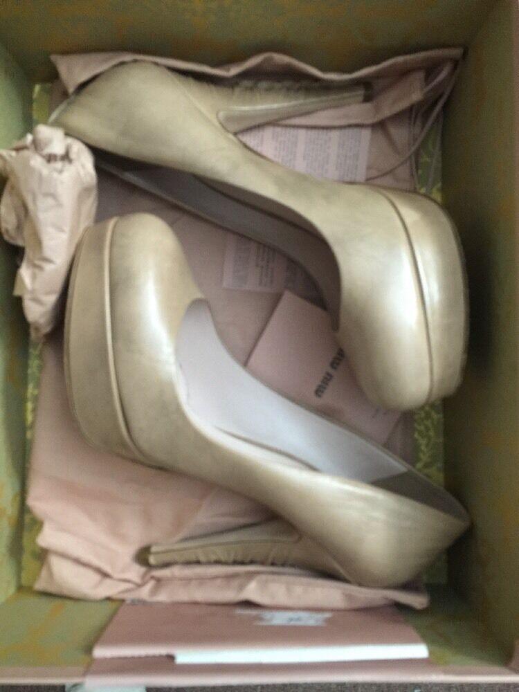 MIU -MIU -plattformän klackar Storlek 38  1  2 Made in  Box Dust väskas