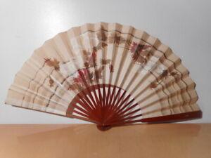 Eventail Ancien Japonais Papier Peint Décor Fleur Monture Bois Japon 1