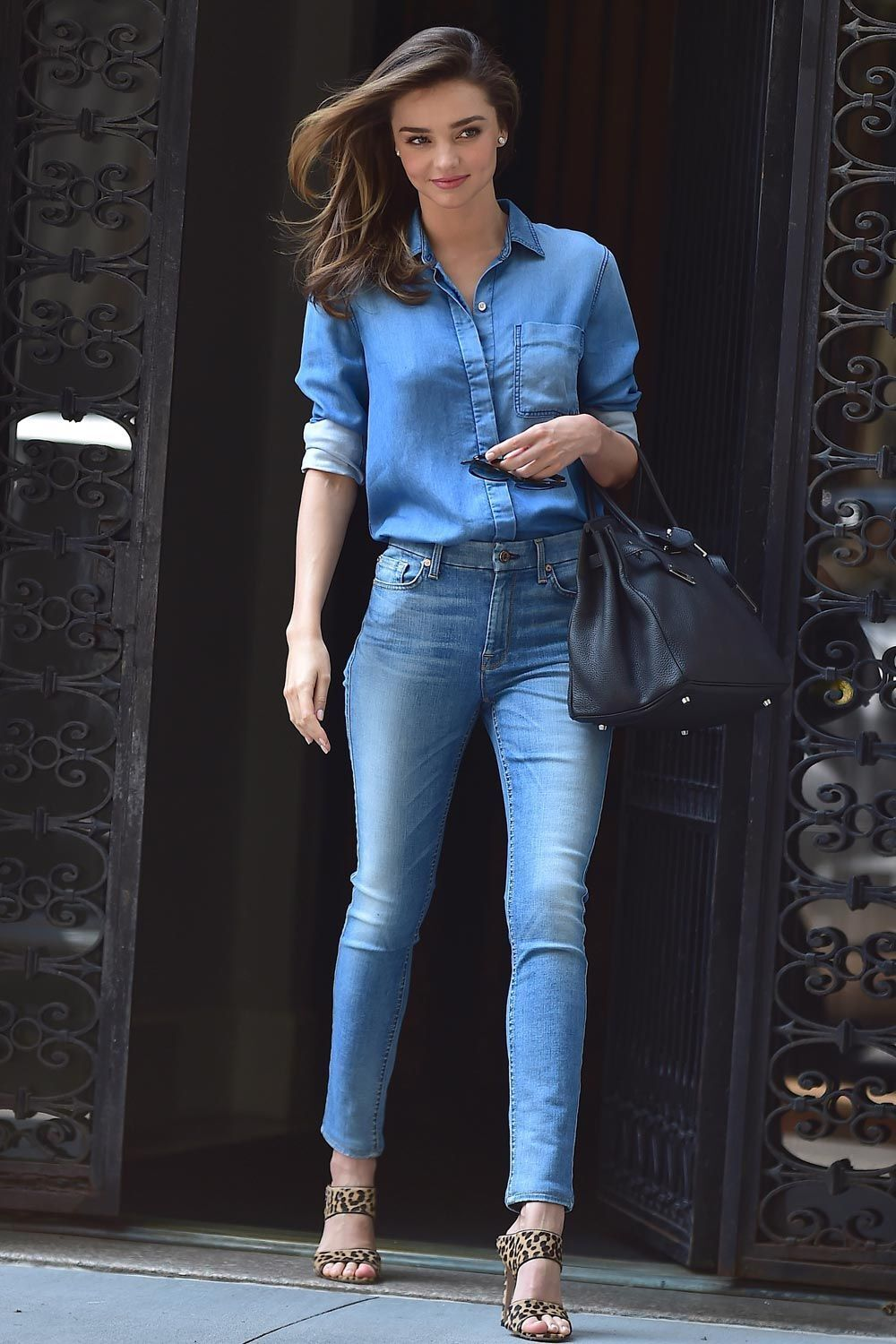 $152 Terrific BELLA DAHL Fitted Chambray Button D… - image 8