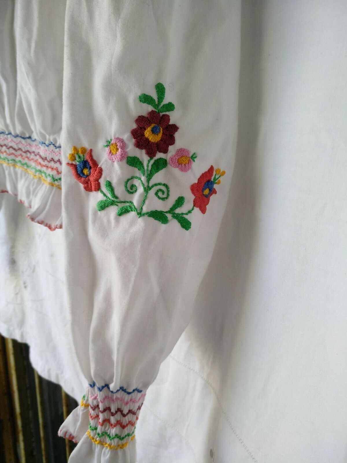 Vintage Ethnic Hungarian Hand Embroidered Floral … - image 5