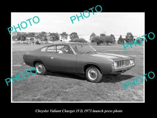 OLD 6 X 4 HISTORIC PHOTO OF 1973 VJ CHRYSLER VALIANT CHARGER PRESS PHOTO 1