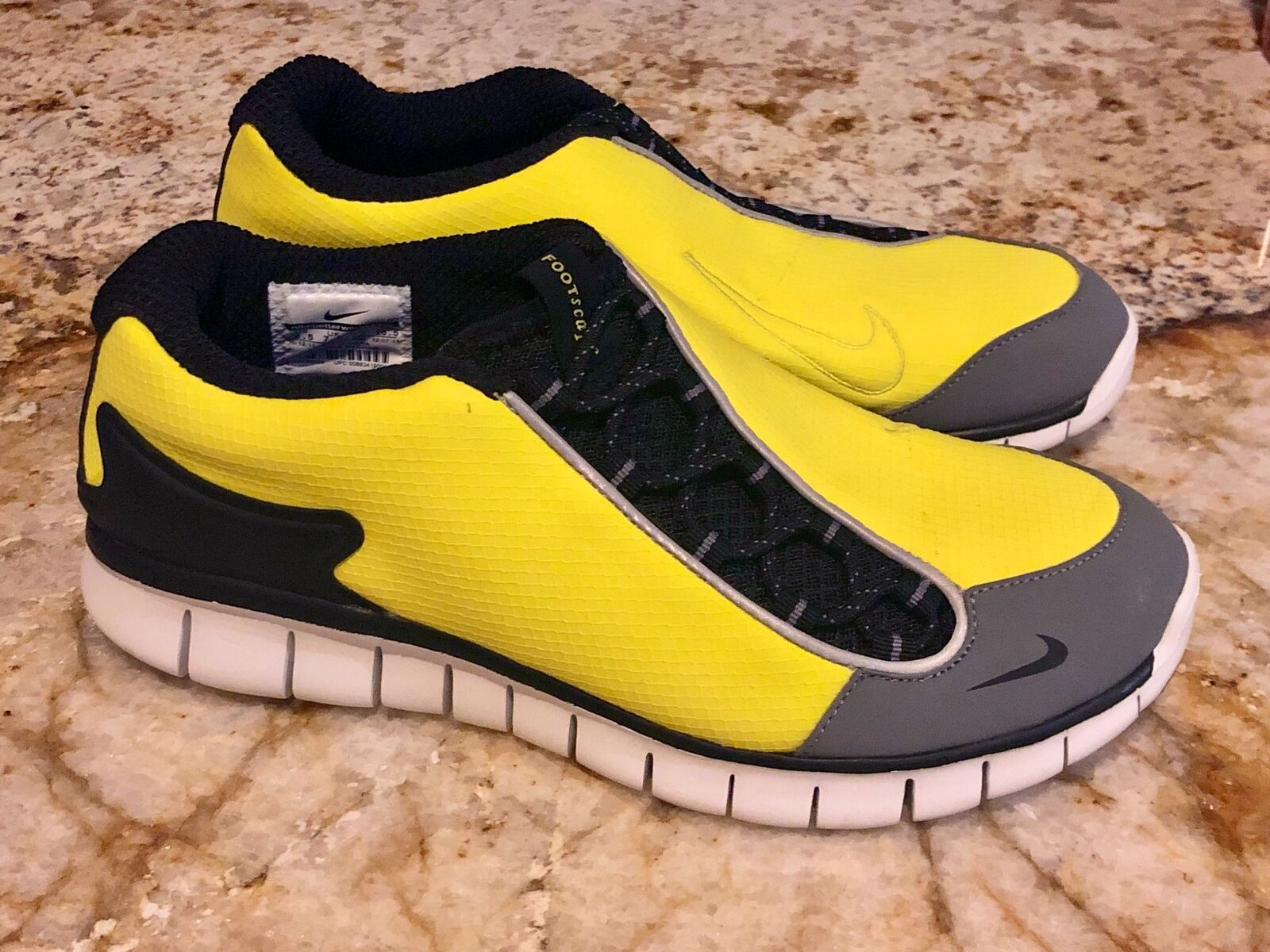 NIKE Footscape Free Electrolime Yellow Black Running shoes Sneakers Mens Sz 8.5