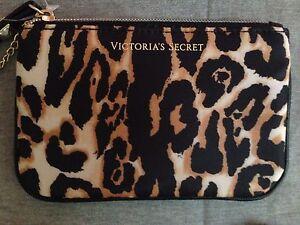 e96639c4a2 1 Victoria s Secret Leopard Print Mini Bag Key Chain Purse NEW ...