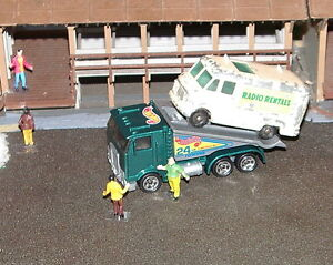Hot-Wheels-HO-Scale-Green-Ramp-Tow-Truck-Must-See