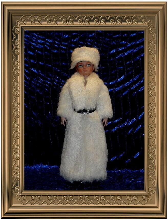 BEAUTIFUL FUR COAT FOR MARILYN MONROE,ELLOWYNE WILDE DOLLS