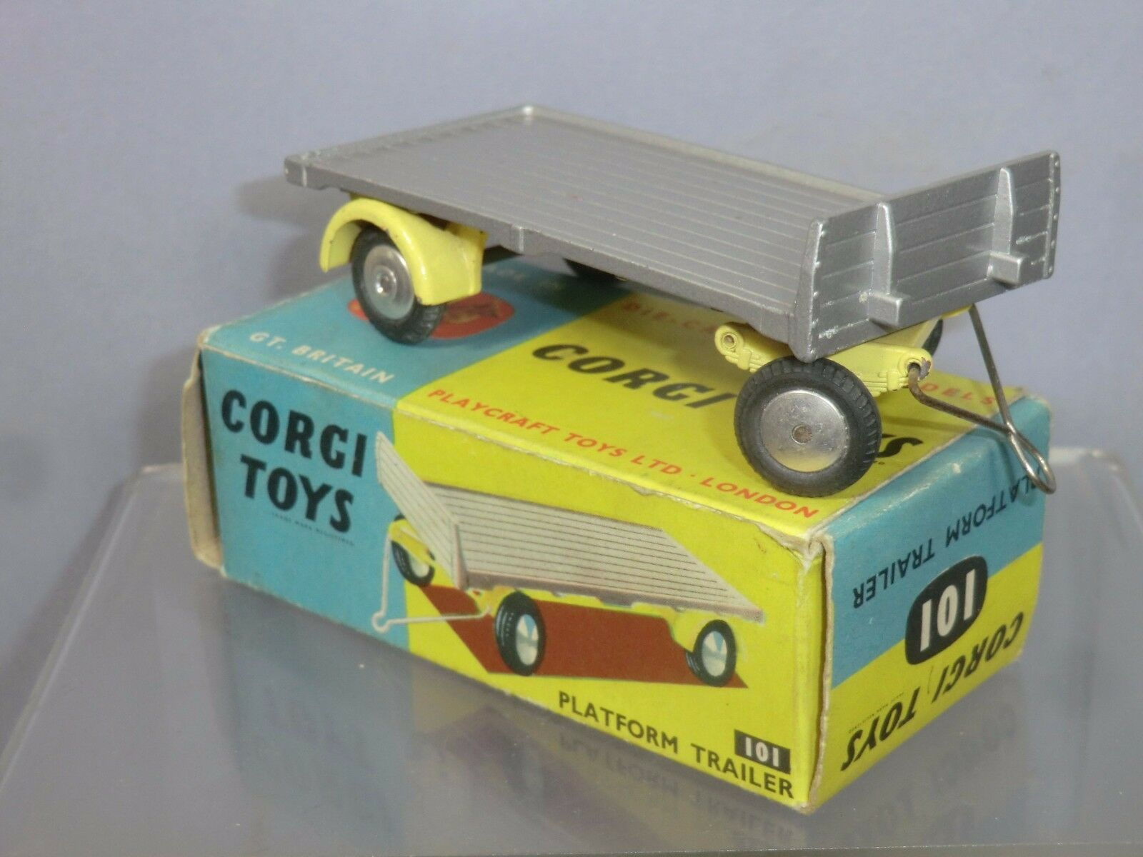 CORGI TOYS MODEL No.101    PLATFORM   TRAILER  VN MIB