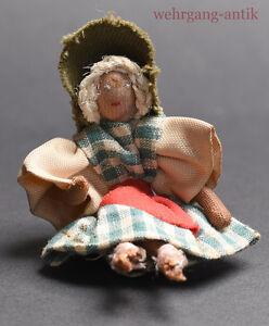 Puppe-fuer-Puppen-Stoffpuppe-mit-Drahtgelenken-Handarbeit-um-1930