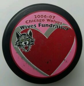 2006-2007-CHICAGO-WOLVES-WIVES-FUNDRAISER-OFFICIAL-LINDSAY-MFG-HOCKEY-PUCK