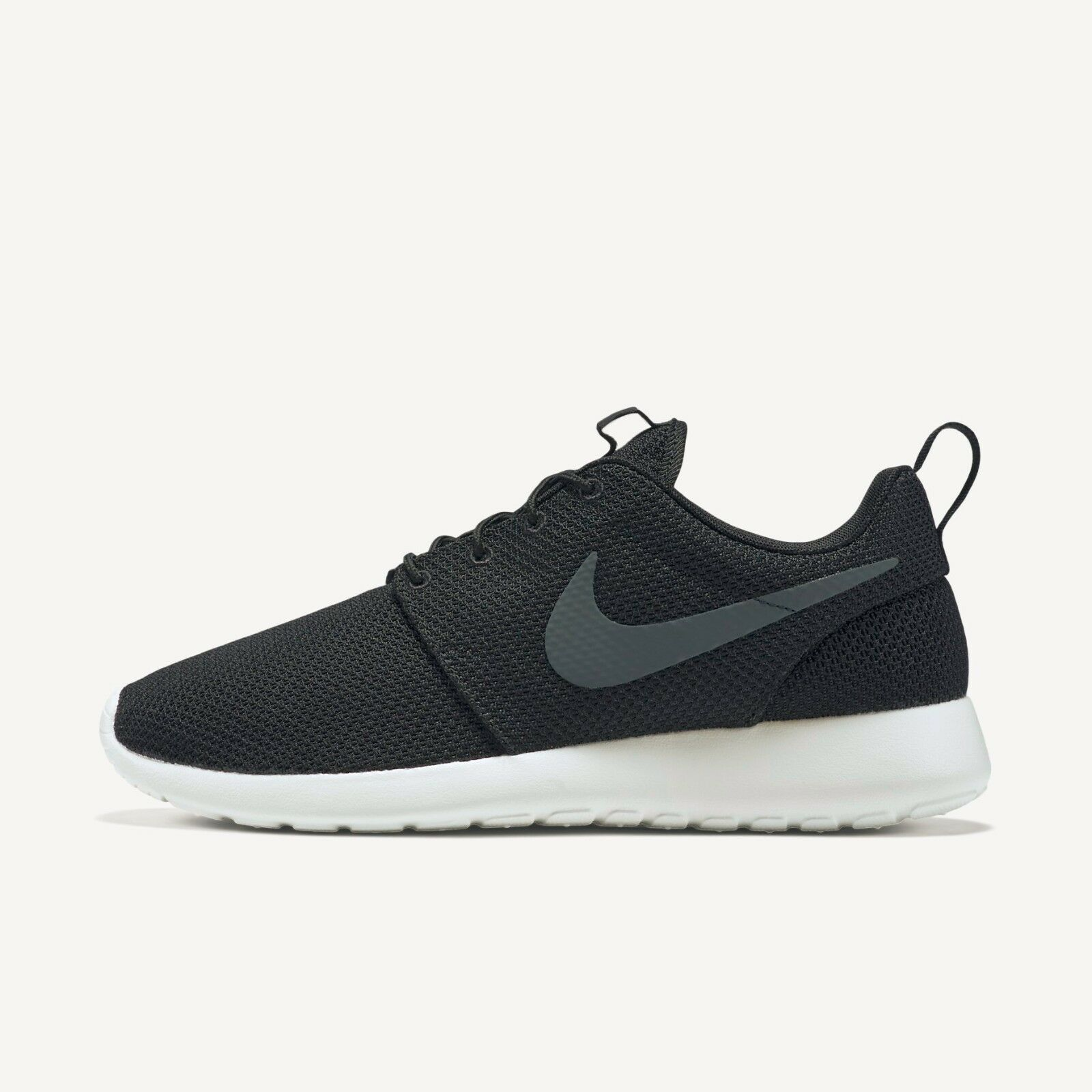 Nike Men's Roshe - One Shoes - Roshe Black - Size 8.5 f754e3