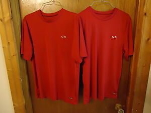 Set-Of-2-Champion-Size-S-Duo-Dry-Red-Athletic-Shirts-034-GREAT-SET-034
