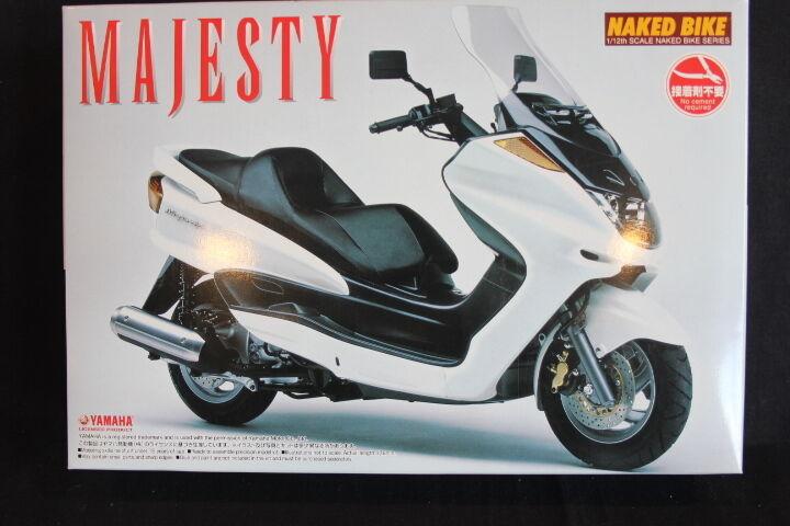Aoshima Kit Yamaha Majesty 1 12 White (JH)