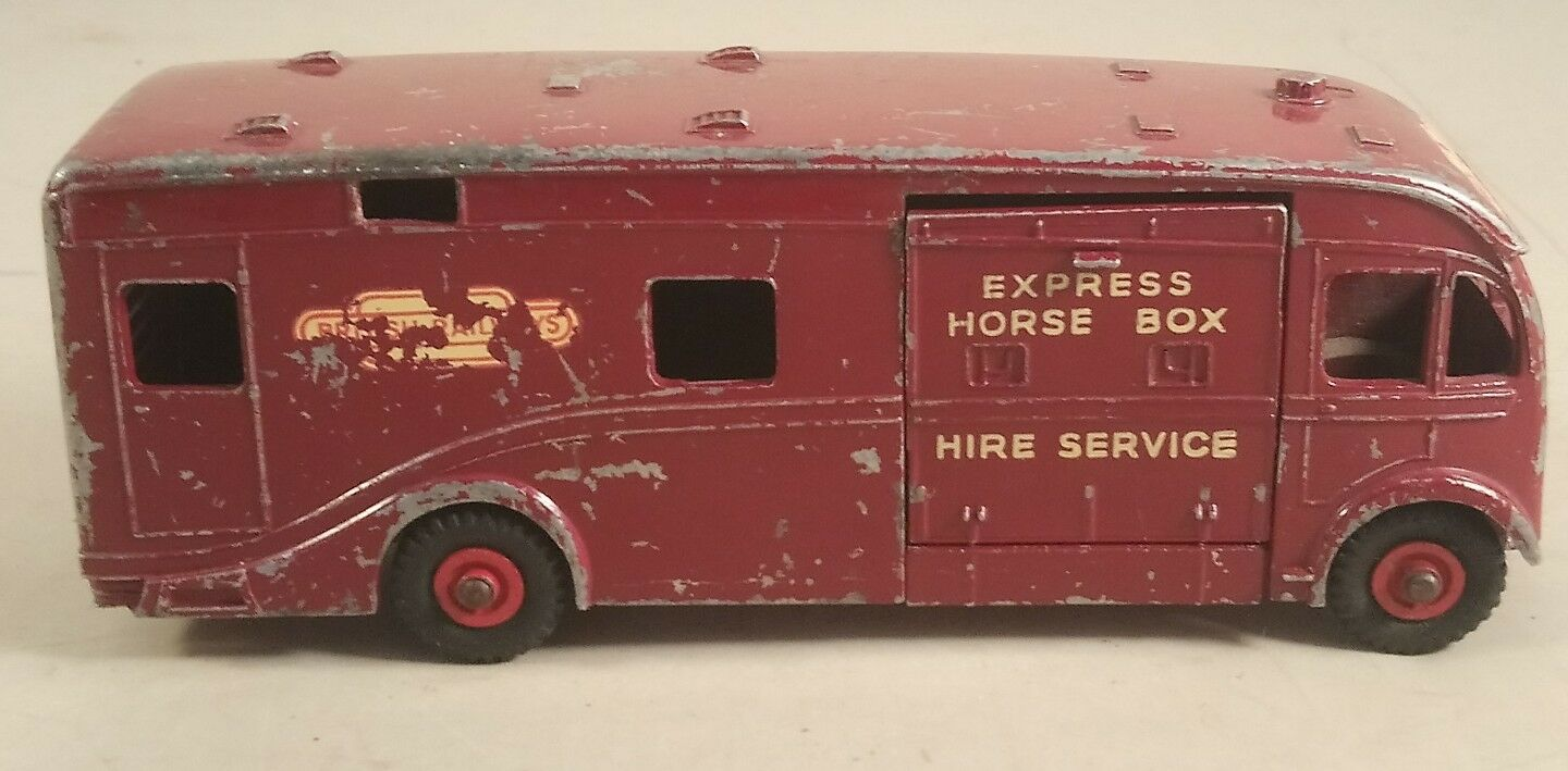 DINKY SUPERTOYS BRITISH RAILWAYS HORSE BOX - DINKY SUPERTOYS HORSE BOX