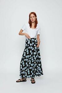 cherrie424: NWT Zara Floral Maxi Skirt