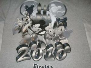 Disney World Florida 2010 Mickey Goofy Donald Pluto Gray T-shirt Men's Medium