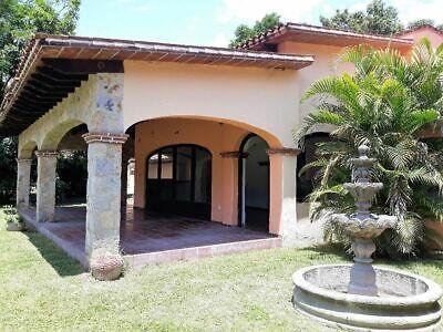 Casa con alberca en Ticumán, Morelos.