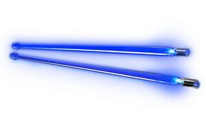 HonnêTeté Nouveau Firestix Light Up Bleu Brillant Tambour Bâtons Avec Piles Incluses!-afficher Le Titre D'origine ModèLes à La Mode