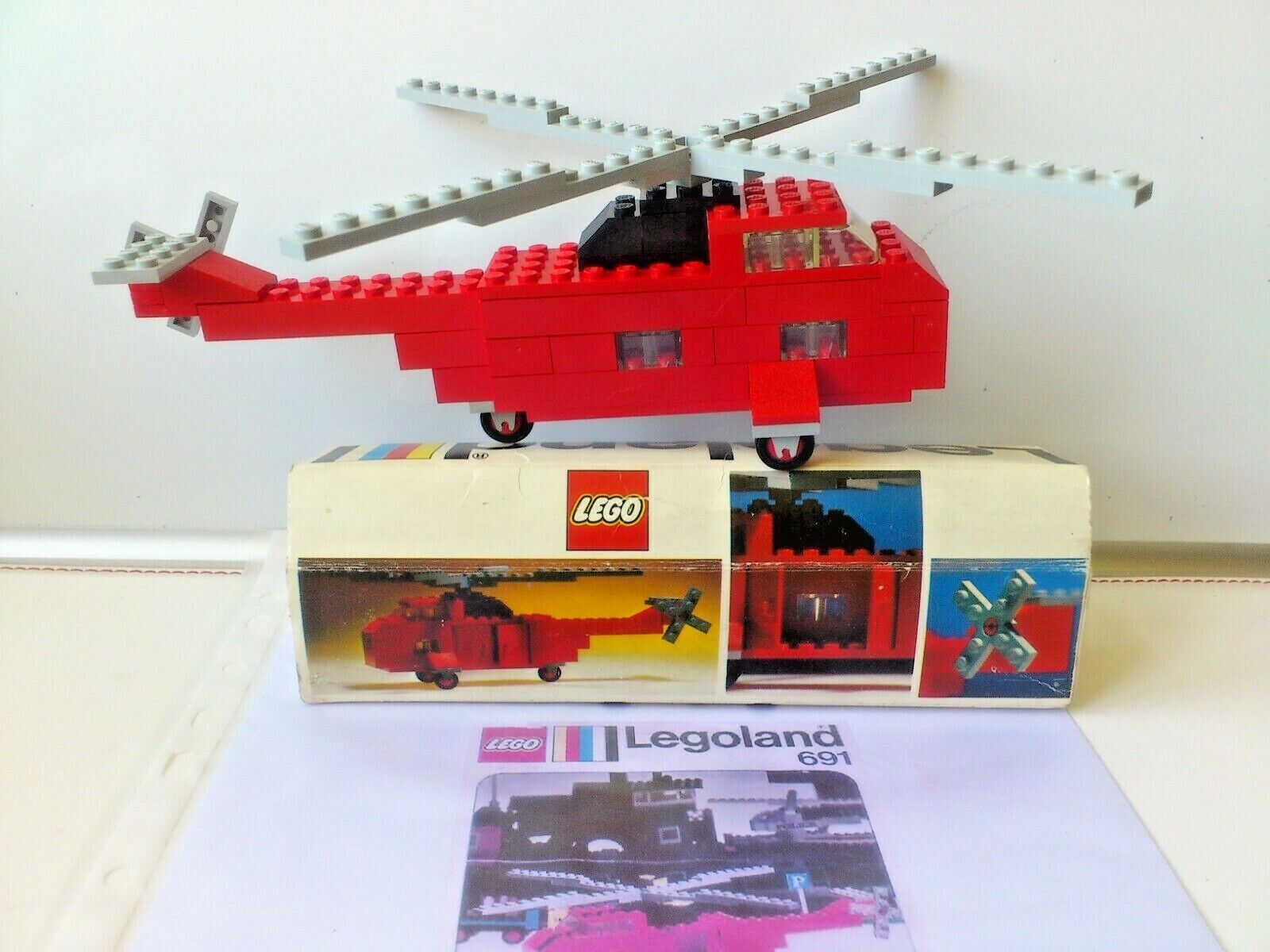 Vintage Legoland set no 691 from 1974 with original box and photocopy manual..