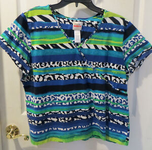 Favorites Blue Black Red Short Sleeve Top Size S-XXL Women/'s Ruby Rd