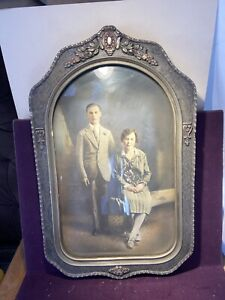 Antique Pair Of Oval Bubble Glass Ornate Picture Frames Fine Arts Assoc. Chicago