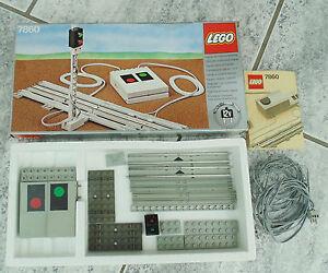 LEGO-Eisenbahn-12V-12-Volt-ferngesteuerte-Signal-Anlage-Ampel-7860-OVP-BA
