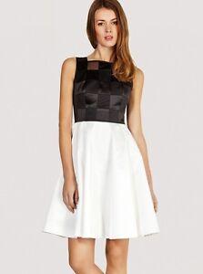 New-Karen-Millen-black-amp-white-graphic-pattern-evening-party-dress-UK-12-amp-14