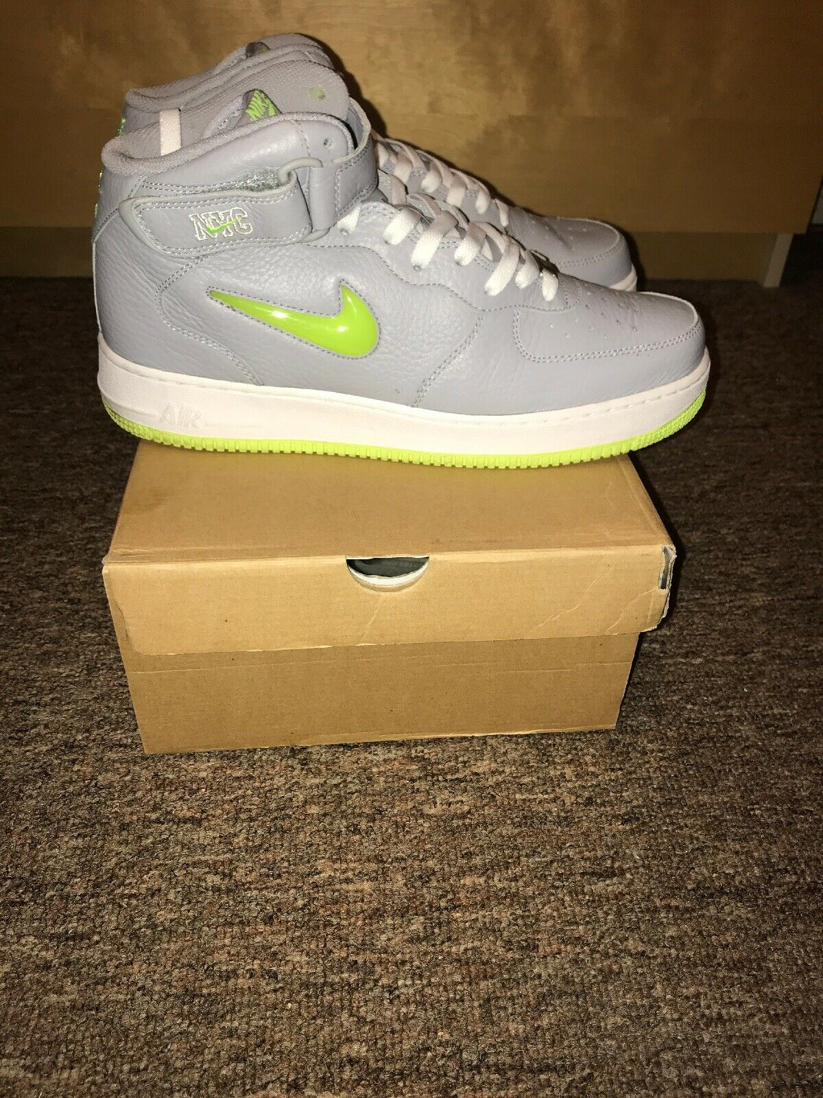 Nike Air Force 1 One Mid 07 NYC Jewel Volt Size 10.5