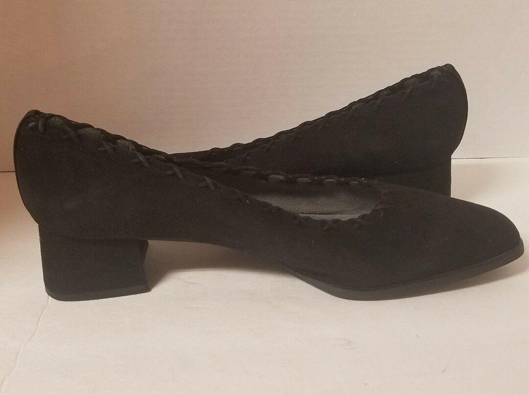Stuart Heel Weitzman Black Suede Low Heel Stuart Pump Size 10.5 AA 881b88