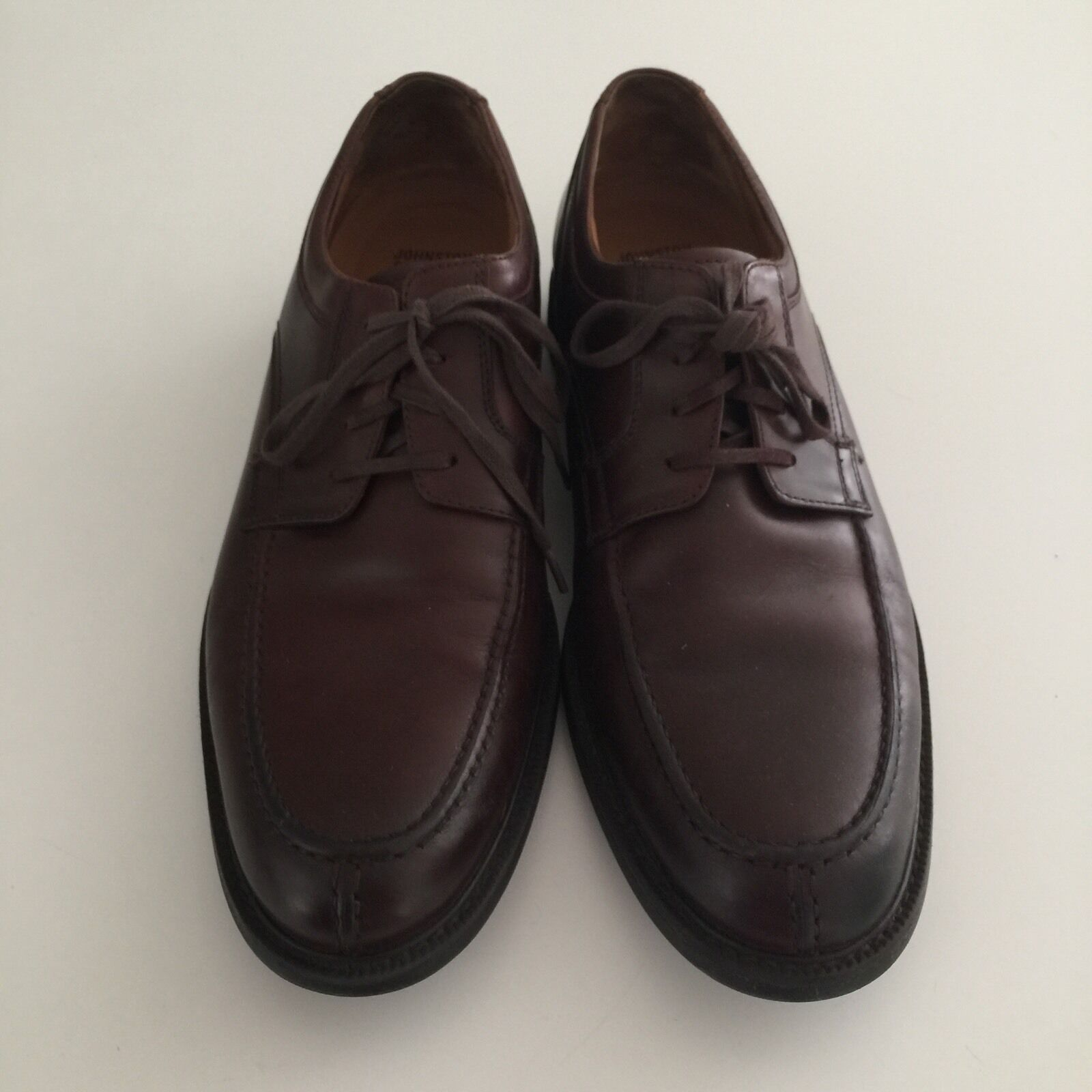 Men's shoes Size 9 M Dark Brown  Leather Lace Up Johnston & Murphy