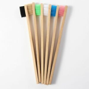 buccale-manche-en-bois-la-brosse-a-dents-de-bambou-les-moyennes-de-soies