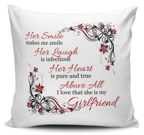 I love that she is my.. housses de coussin avec interne Son sourire me fait sourire..
